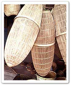Handicraft products natural materials for handicrafts for Handicraft from waste things